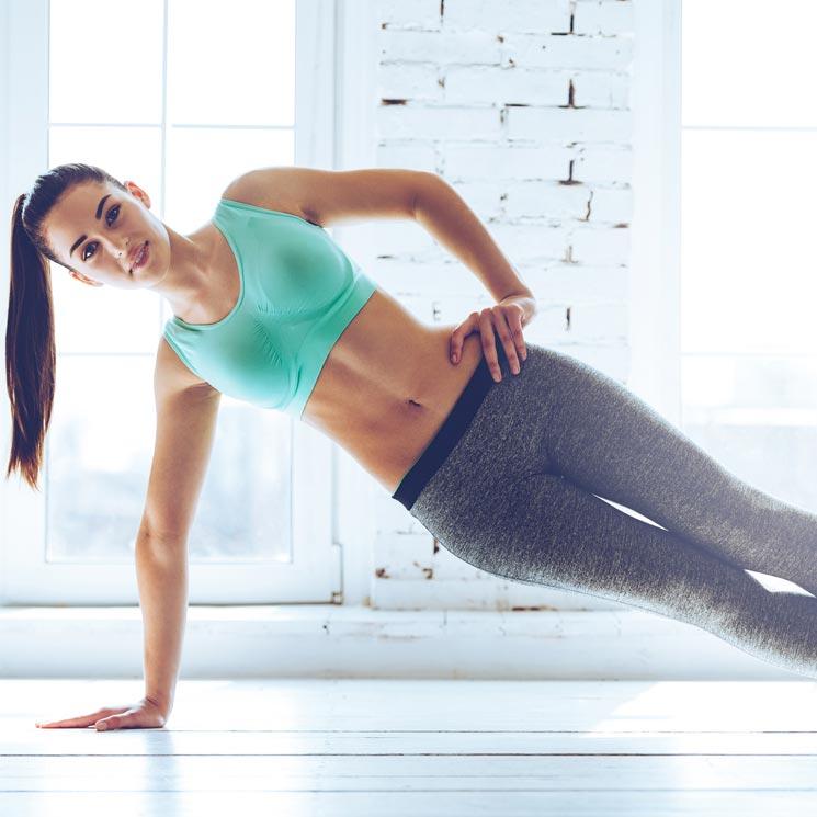 Mujer hace ejercicio