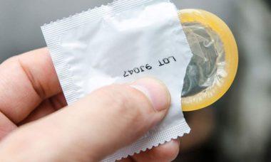 coloca el preservativo correctamente